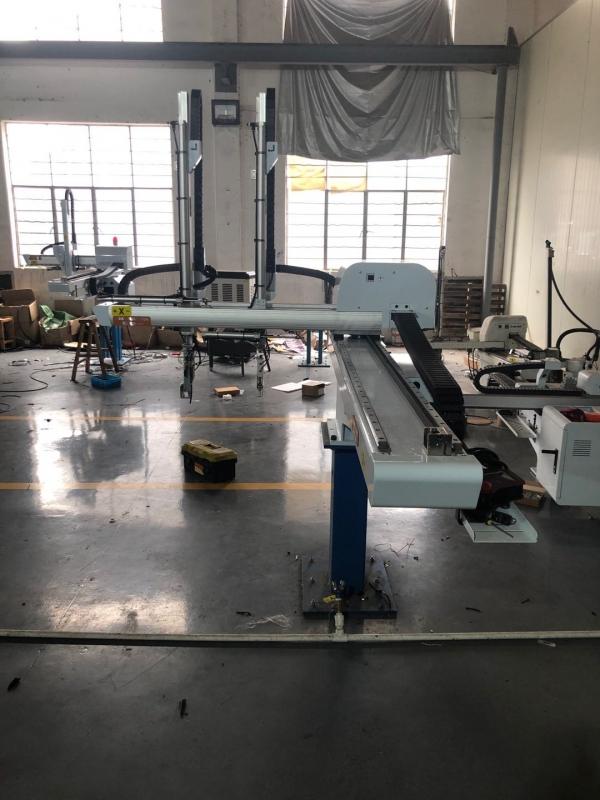 宁波注塑机械手